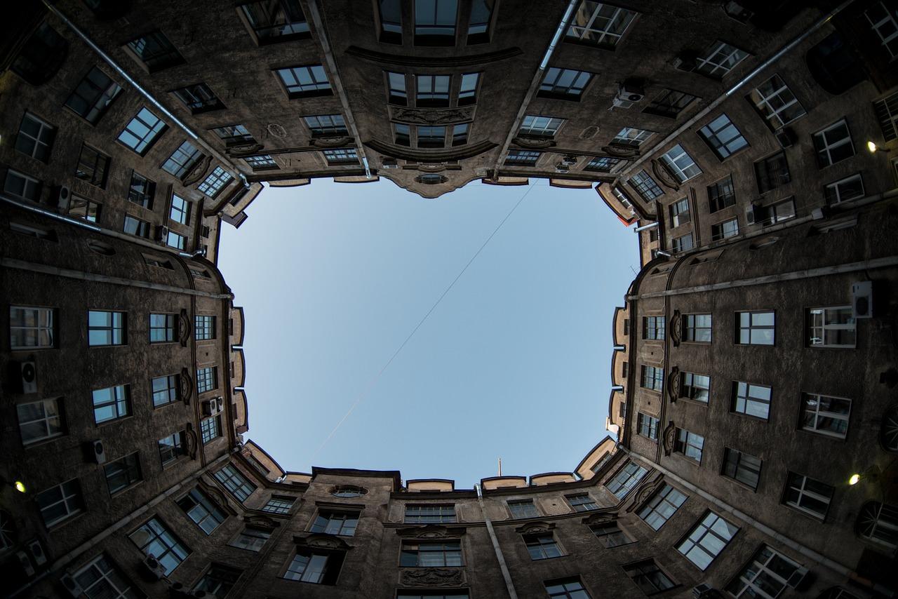 Buildings Windows St Petersburg - leleblad / Pixabay